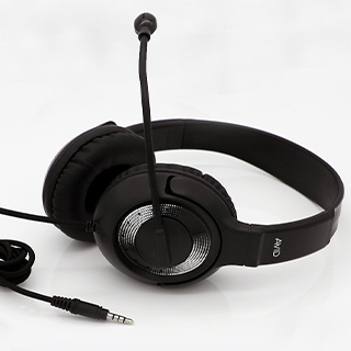 AE55 - svarta hörlurar med mikrofon